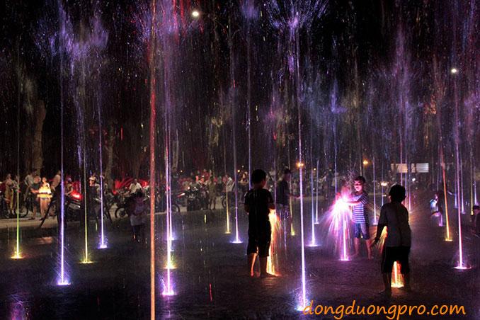 sàn phun nước Tp. Quảng Ngãi về đêm