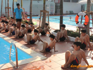 Điều kiện kinh doanh bể bơi - Huấn luyện viên dạy bơi