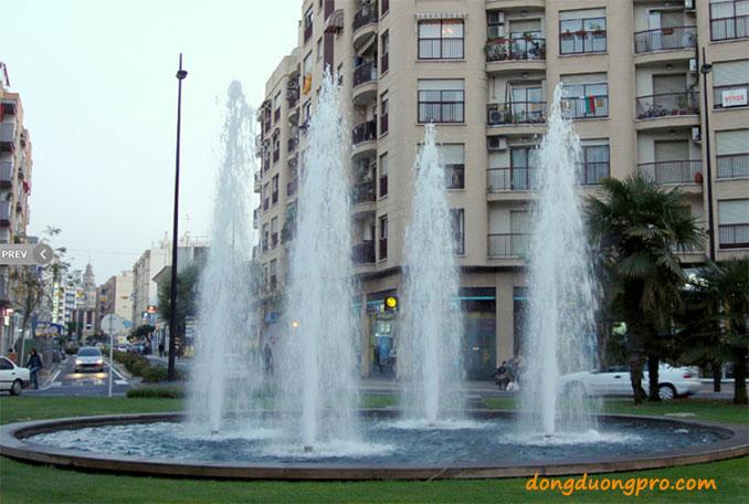Vòi phun cây thông được chọn vòi phun chính hồ phun điều hòa công viên